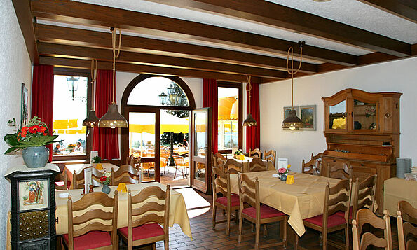 [Translate to Englisch:] Restaurant Weinstube am Bodensee, Parkhotel St. Leonhard Überlingen